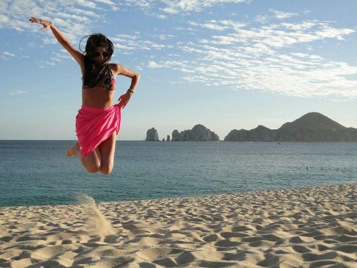 paty-lanfranchi-cabo-san-lucas-pulando