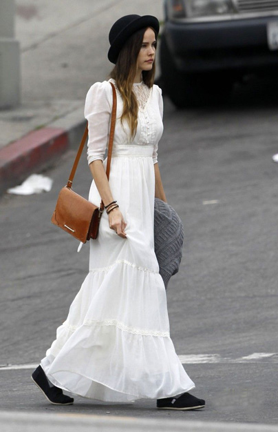 isabel-lucas-white-dress-paty-lanfranchi