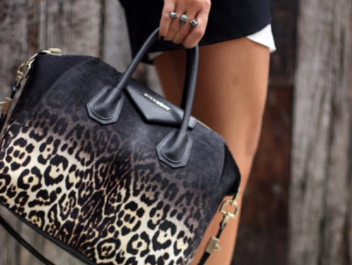 la-modella-mafia-model-street-style-bags-animal-print-handbags-3